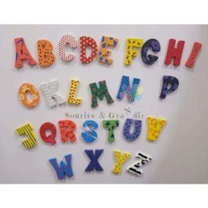 Alphabet aimanté en bois